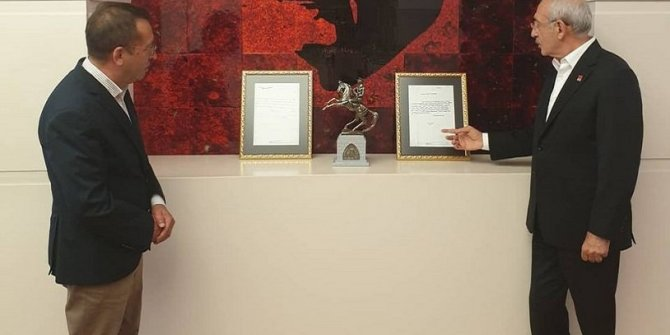 Kılıçdaroğlu'nu heyecanlandıran hediye: 1,5 milyon belgenin arasından çıkarıldı!
