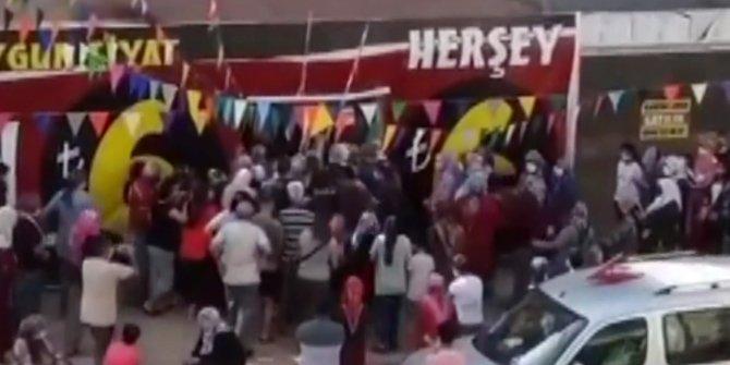 Çılgın alışverişi polis durdurabildi. Bu görüntüler Antalya'dan