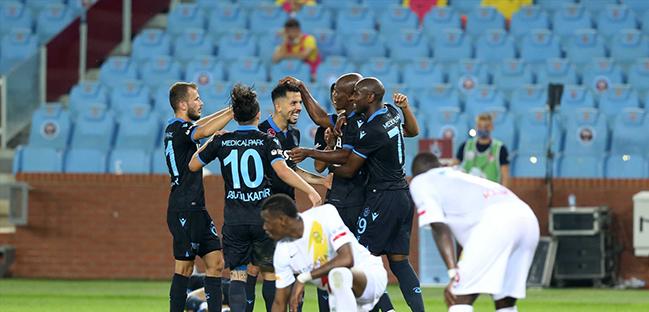 Trabzonspor, Yeni Malatyaspor'a karşı güle oynaya kazandı. İlk galibiyet 3. haftada geldi