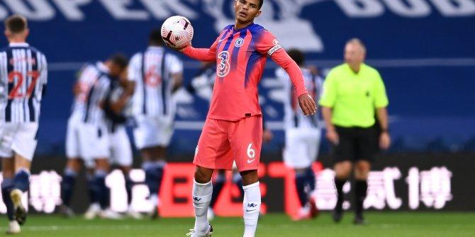 Chelsea West Bromwich Albion'a 3-0 geri düştüğü maçta 1 puanı zor kurtardı