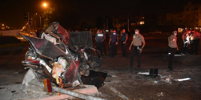 Adana'da feci kaza: 2 ölü 4 yaralı