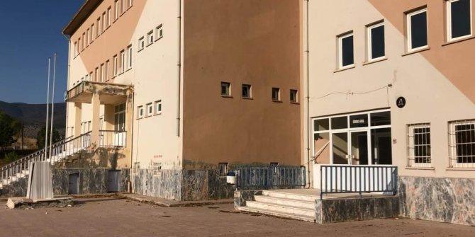 Yerinde inceleyip, açıklama yaptılar! 'Şehidin adının verildiği okul ahıra çevrildi' iddiası