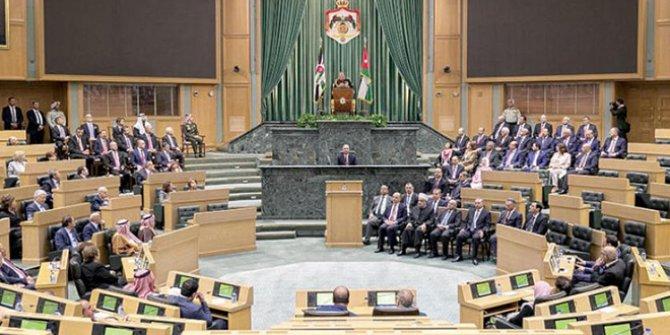 Ürdün Kralı parlamentoyu feshetti. Ajanslar son dakika olarak geçti