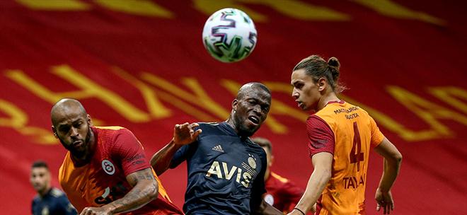 Galatasaray ve Fenerbahçe berabere kaldı. Dev maçta gol hariç her şey vardı