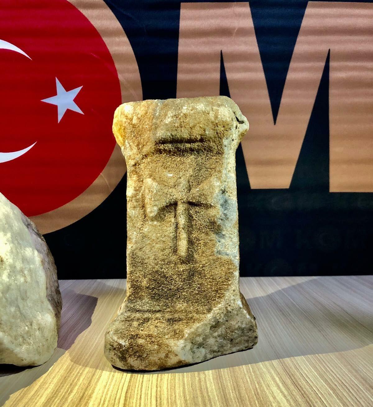 Muğla'da Roma dönemine ait olduğu değerlendirilen sütunlar ele geçirildi