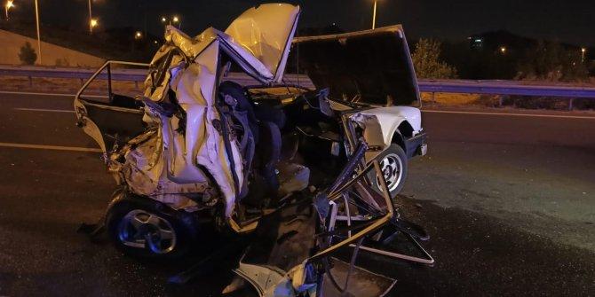 Ankara'da TIR'ın çarptığı otomobil hurdaya döndü! 2 ölü