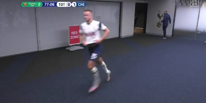 Mourinho maçın ortasında tuvalete giden oyuncusunu kovaladı