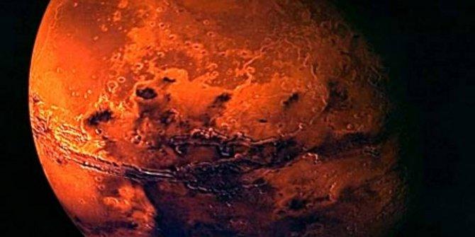 Kapı girişi bile var. NASA'nın Mars'ta müthiş buluşu. Yoksa yeraltında mı yaşıyorlar