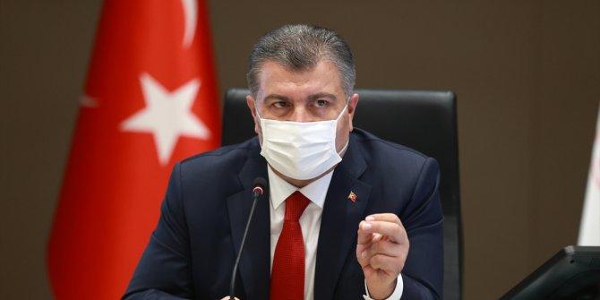 Sağlık Bakanı Koca virüsün biteceği tarihi açıkladı. Salonda bulunan gazeteciler bile fark etmedi