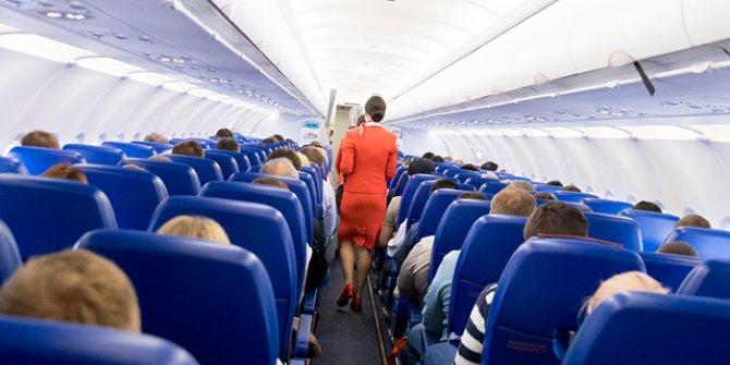 Kadın olduğunu ispatlayamadı! Rus kadın ne yaptıysa uçağa binemedi
