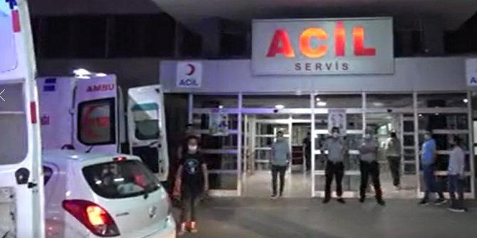 Adana'da polis memurunu sırtından bıçakladılar