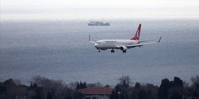 Kayseri'ye giden yolcu uçağı yoğun sis nedeniyle Nevşehir'e indi