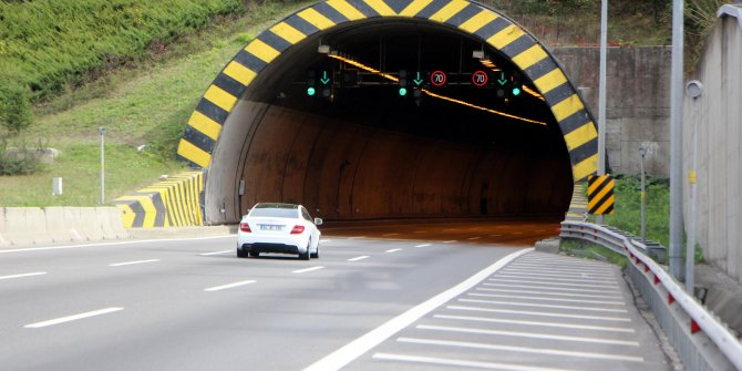 3 gün önce kapatılan Bolu Dağı Tüneli geçici olarak açıldı