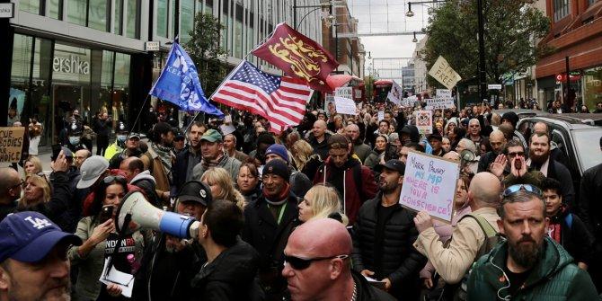 Londra'da korona virüs önlemleri protesto edildi