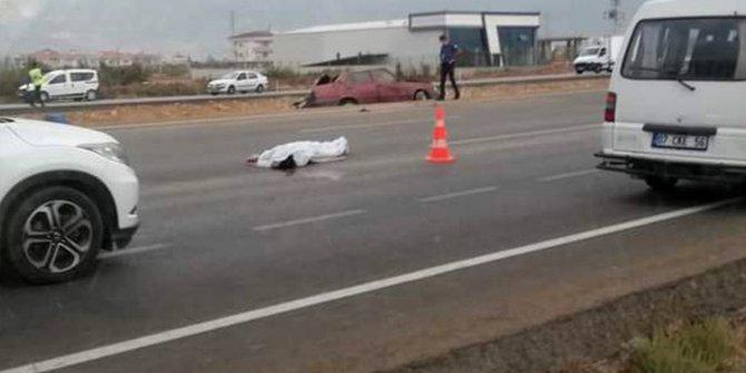 Antalya'da kaza yapan araçtan fırladı, feci şekilde can verdi