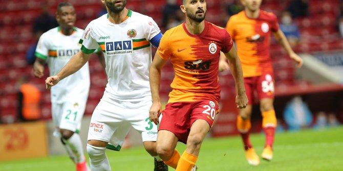 Galatasaray'da Emre Akbaba sahalara Alanyaspor maçıyla döndü