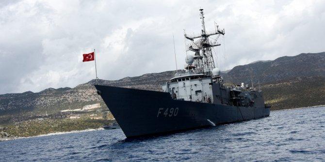 Türk savaş gemileri Akdeniz'de tetikte bekliyor