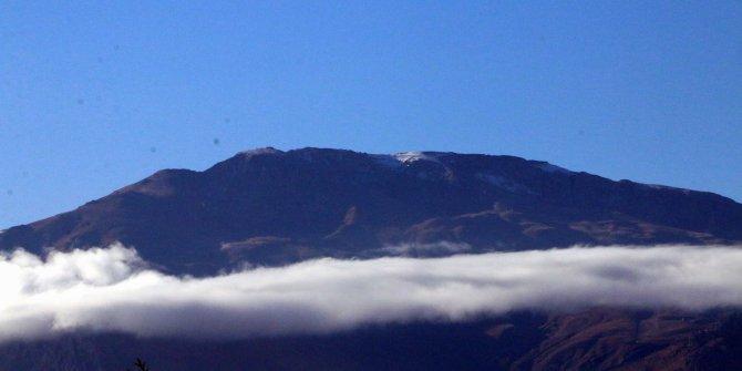 Erzincan'ın yüksekleri beyaza büründü