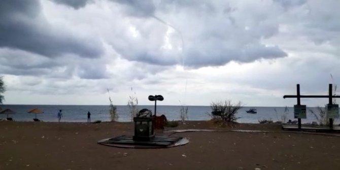 Kemer'de denizde hortum oluştu