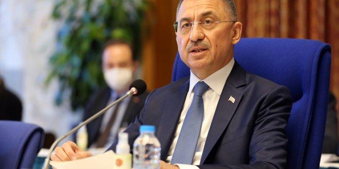 Cumhurbaşkanı Yardımcısı Oktay, camiye yapılan polis baskınını kınadı