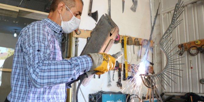 İranlı Ali Mutii atık metallerden öyle şeyler yapıyor ki, görenler dönüp bir daha bakıyor