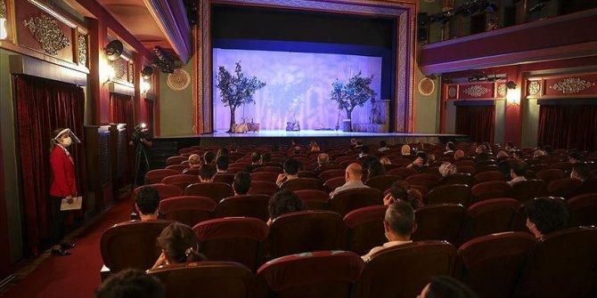Devlet tiyatroları kapılarını özel tiyatrolara açıyor