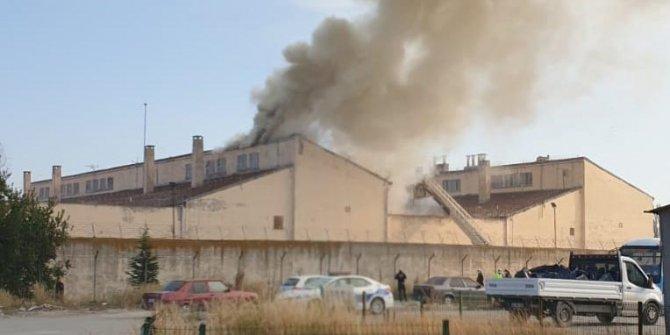 Kütahya'daki cezaevi alev alev