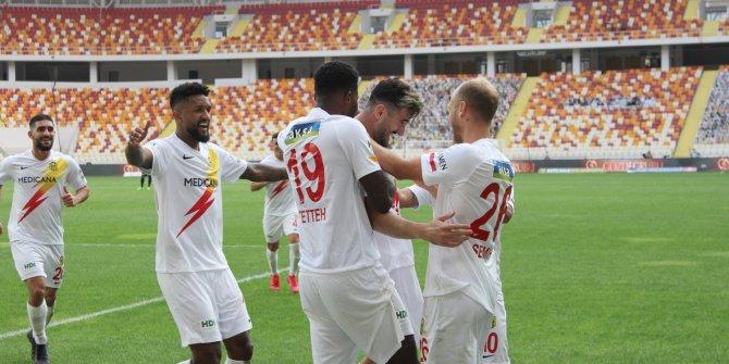 Yeni Malatyaspor geriden gelerek Gençlerbirliği'ni devirdi