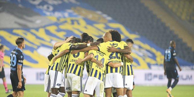 Fenerbahçe'de Trabzonspor'a karşı müthiş galibiyet. Goller yağmur gibi geldi