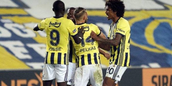 Valencia ve Cisse Fenerbahçe'de siftah yaptı