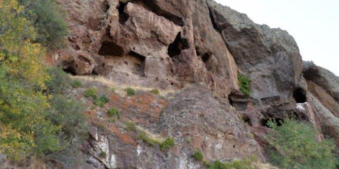 Yer Bingöl... 1500 yıl önce Hristiyanlar burada  gizli gizli ibadet ediyordu