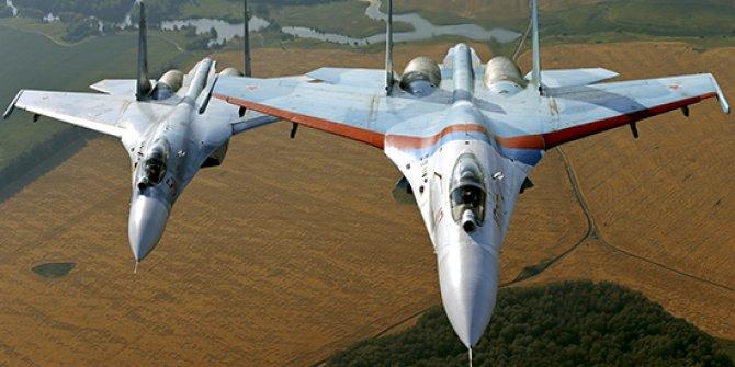 Rus uçağı ile  ABD ve Almanya'ya ait uçaklar havada karşı karşıya geldi