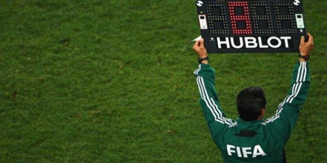 FIFA kokartlı Ünlü hakem eşcinsel olduğunu açıkladı