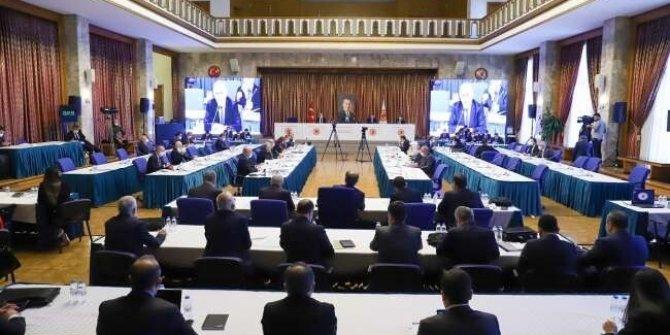 İYİ Partili Durmuş Yılmaz konuştu. Meclis'te bütçe görüşmeleri karıştı