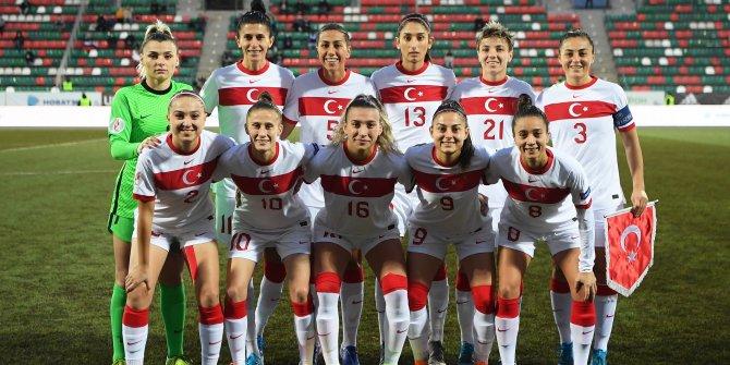 Kadın milli takımımız Ruslar karşısında üzdü: 4-2