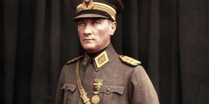 Atatürk'ün Antalya cevabı tüm Türk halkını bir kez daha gururlandıracak. Senin evlatların olmaktan gurur duyuyoruz. Yine bir 29 Ekim