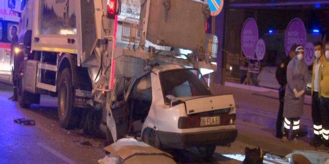Ankara'da feci kaza. Duran çöp kamyonunun altına girdi