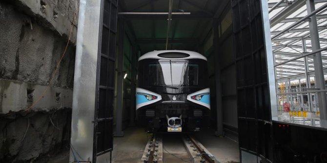 Mecidiyeköy-Mahmutbey metrosu raylara indi, ilk sürüşünü gerçekleştirdi