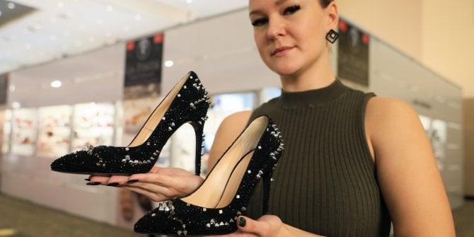 Antalya'da 2. el oto fiyatına ayakkabı. 1 ayda üretildi