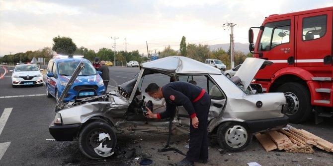 Cenaze yolunda feci kaza: 1 ölü, 2 yaralı!