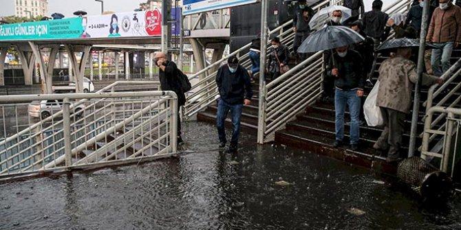 İstanbul Valiliği saat vererek kuvvetli yapış uyarısı yaptı. İstanbul için sarı alarm