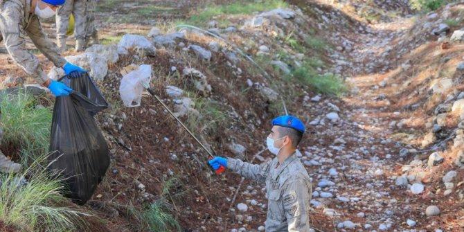 Girişin yasak olduğu mesire alanından 240 torba çöp çıktı