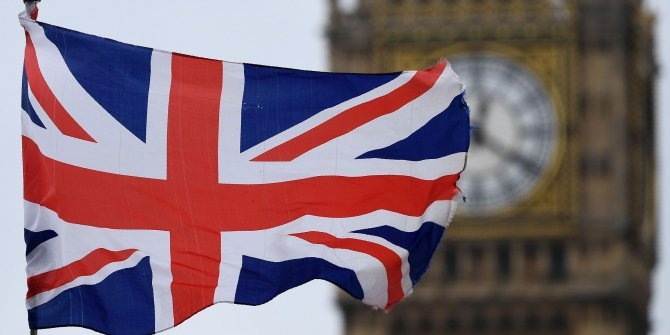 İngiltere'de koronayla ilgili tarihi karar!