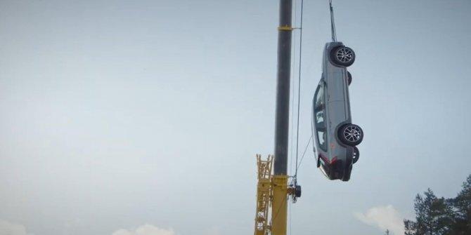 İsveçli otomobil markasından şaşırtan güvenlik testi