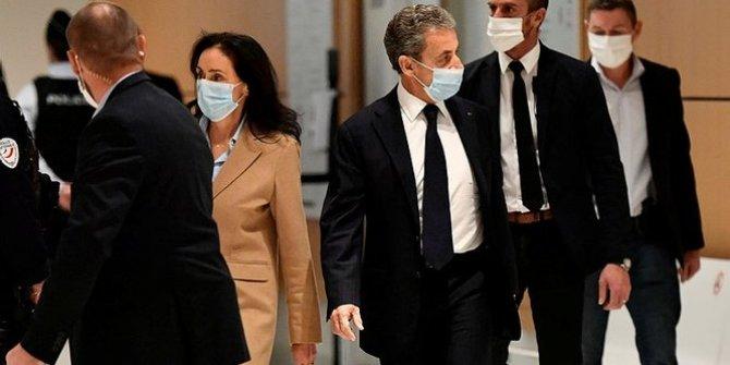 Rüşvet ve yolsuzluk ile suçlanan Sarkozy hakim karşısında
