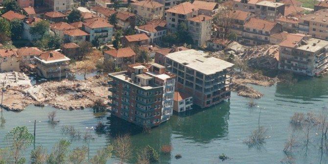 Marmara ve İstanbul depreminde felaket senaryoları hiç iç açıcı değil. Deprem ve sonrası bekleyen tehlikede iki yer işaret edildi