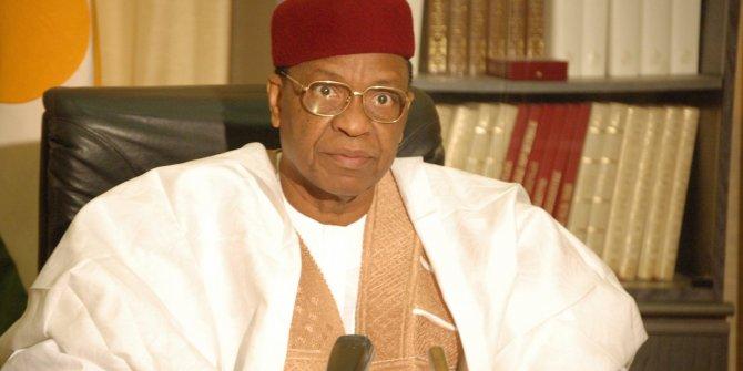 Eski Nijer Cumhurbaşkanı Mamadou hayatını kaybetti