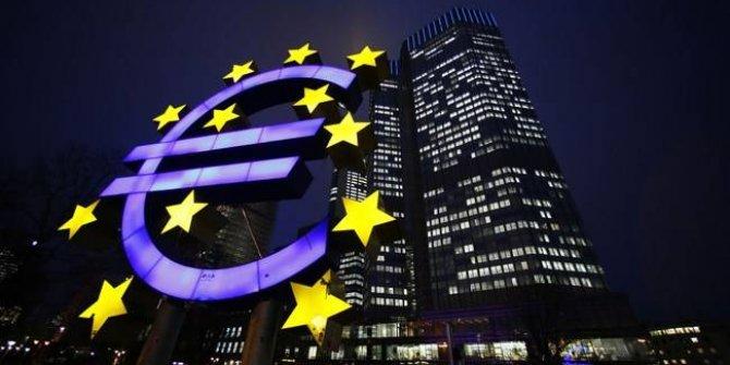 Avrupa Merkez Bankası , finansal istikrarın önündeki tehlikelere dikkat çekti