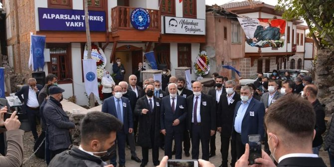 Alparslan Türkeş Vakfı'nın yeni binası dualarla açıldı