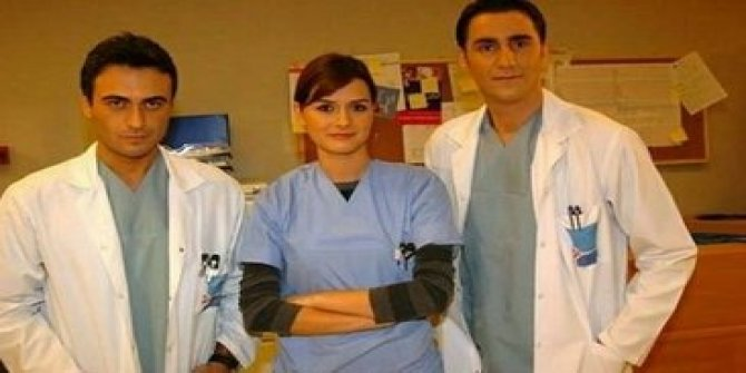 Ünlü oyuncu Bekir Aksoy ve ailesi koronaya yakalandı